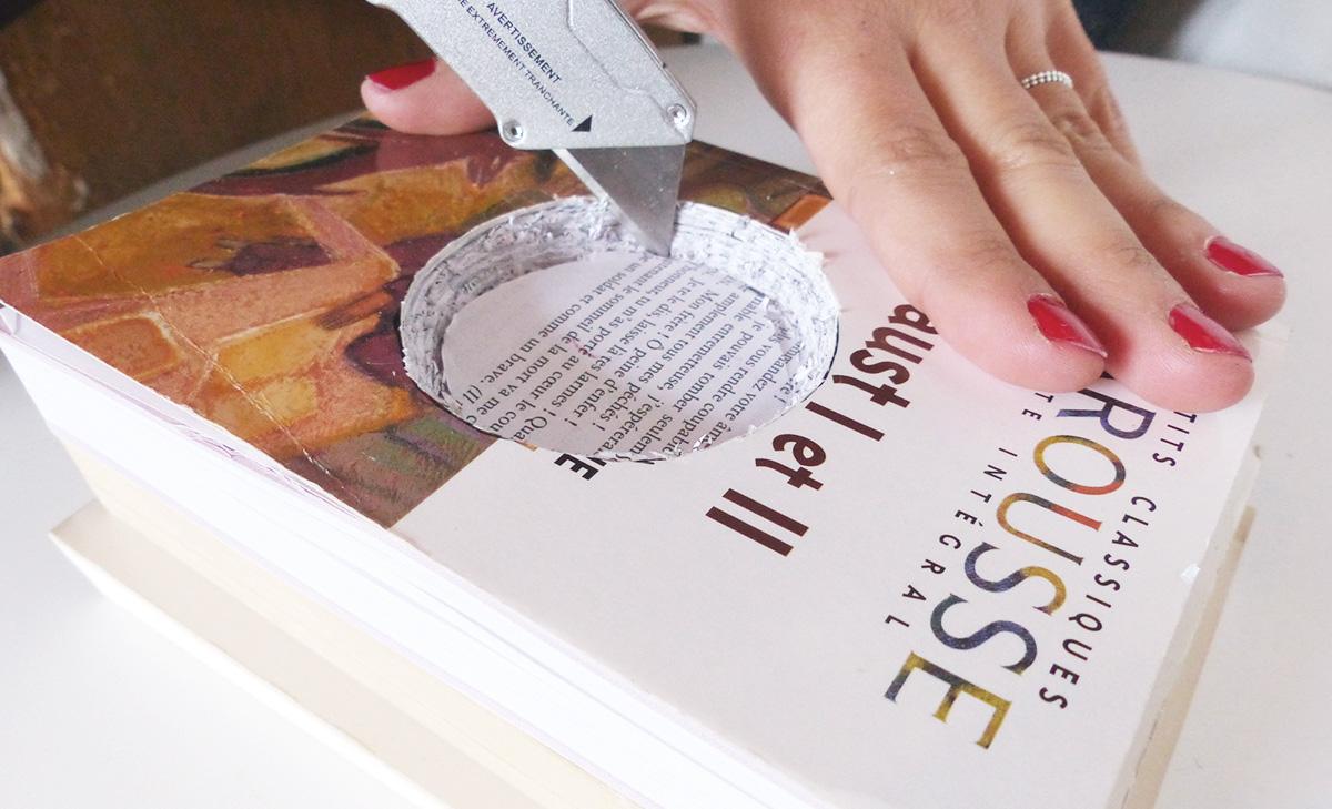 évider les livres au cutter