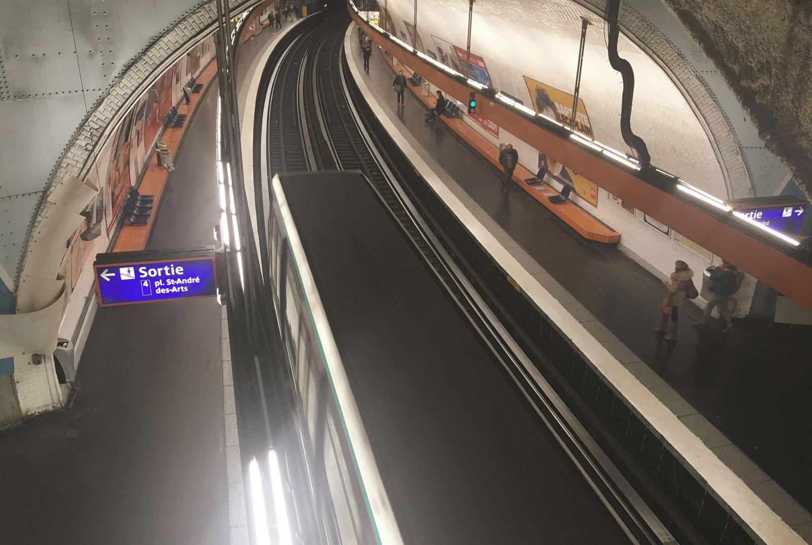 metro saint michel
