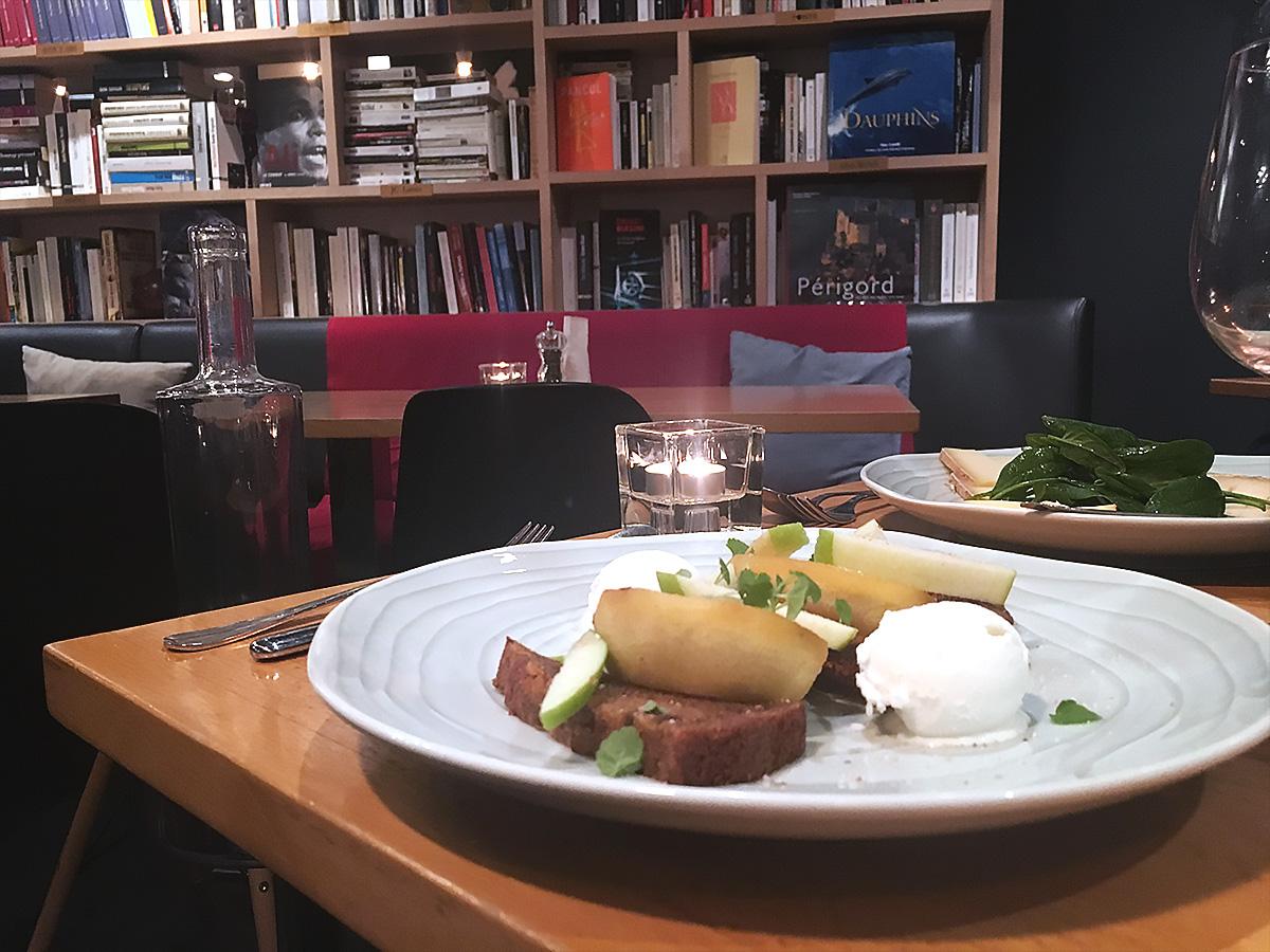 Restaurant La Librairie - Dessert pain d'épices, pommes, glace