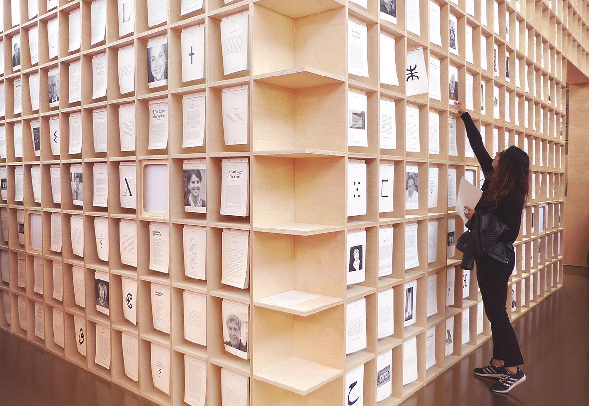 Salon du livre de paris - structure bois livres